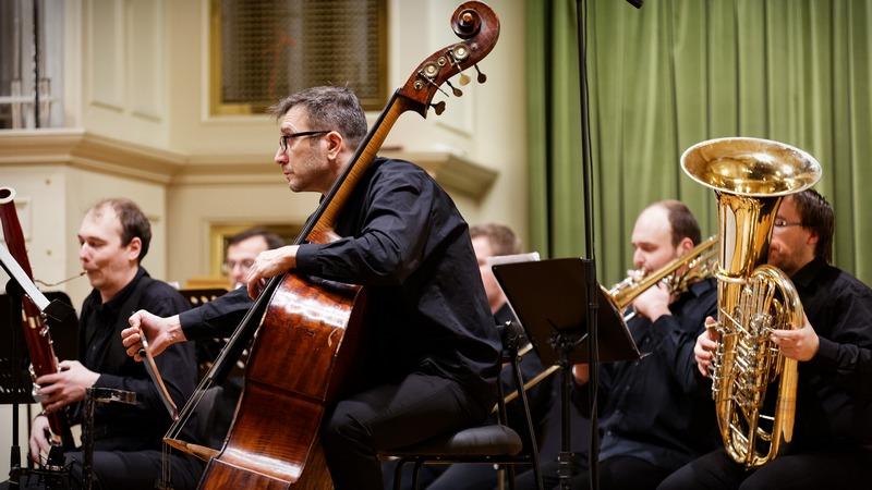 Brno Contemporary Orchestra: premiéry skladeb Petra Bakly, Luboše Mrkvičky aMariána Lejavy