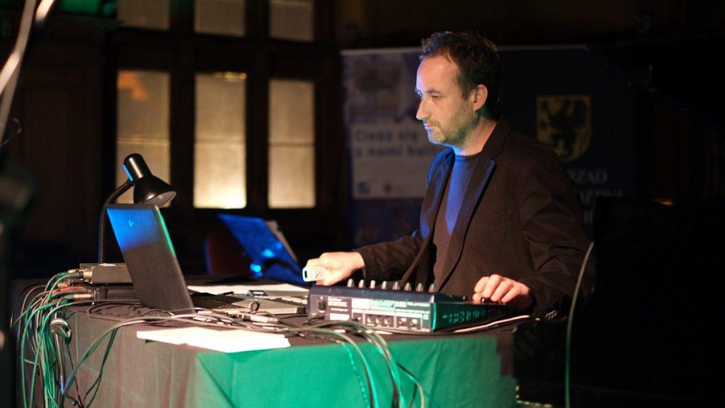 Elektroakustický koncert Michala Rataje na festivalu vGdaňsku