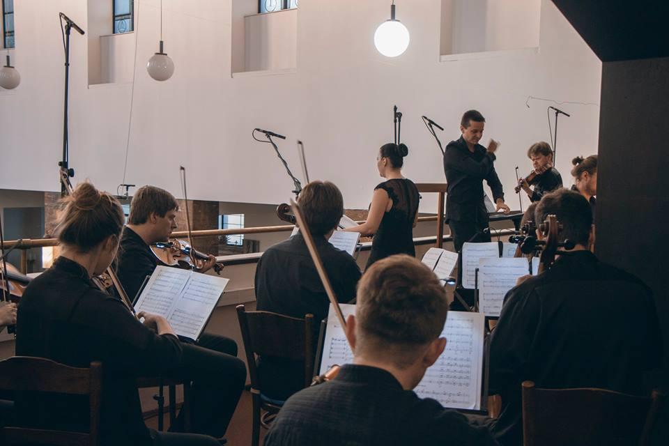 František Gregor Emmert: Symphony No. 25 for viola, organ, mezzosoprano and strings (world premiere)
