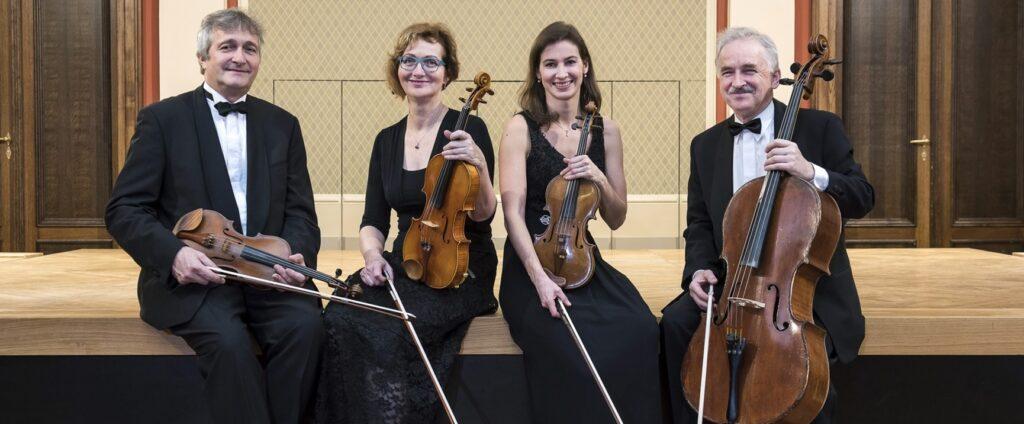 Tomáš Ille: Christmas Eve– aChristmas divertimento for string quartet (world premiere)